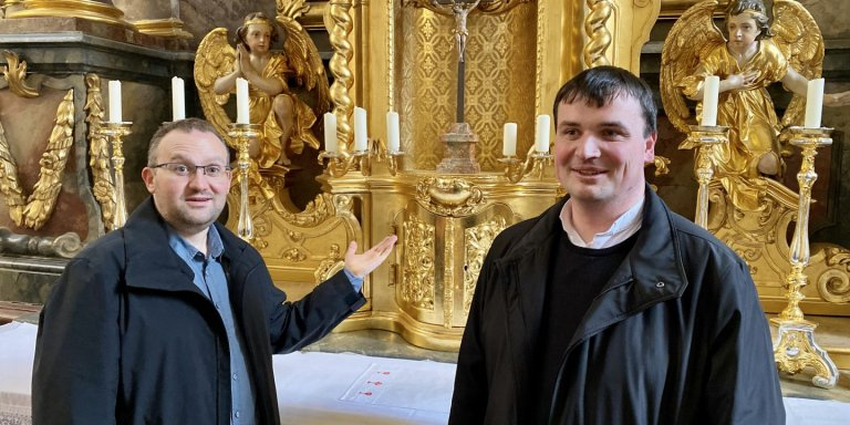 Grossansicht in neuem Fenster: Pfarrer Roeb und Pfarrer Nowak Kirche